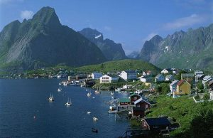 norway-village_1446420i